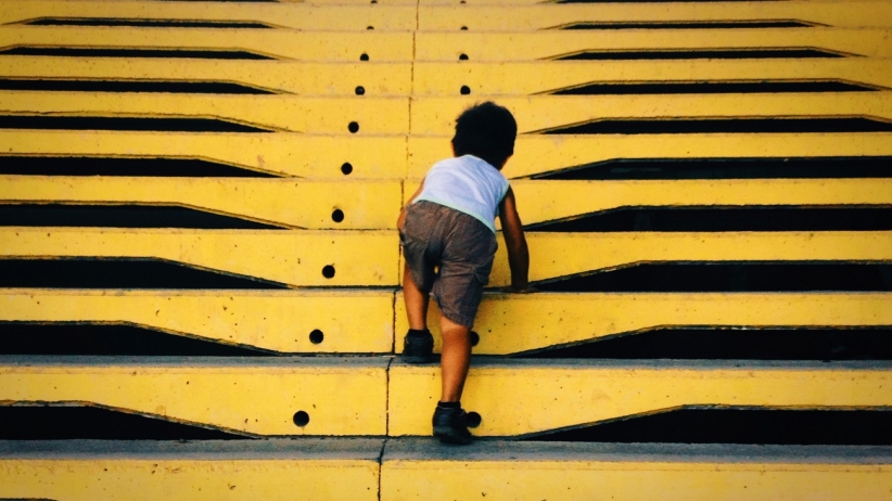 20150506211758-baby-steps-children-stairs-small-crawl-climb