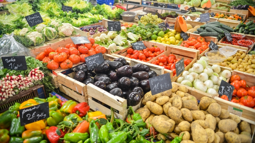 20151021181745-farmers-market-fresh-food-store-produce-grocery-healthy-food